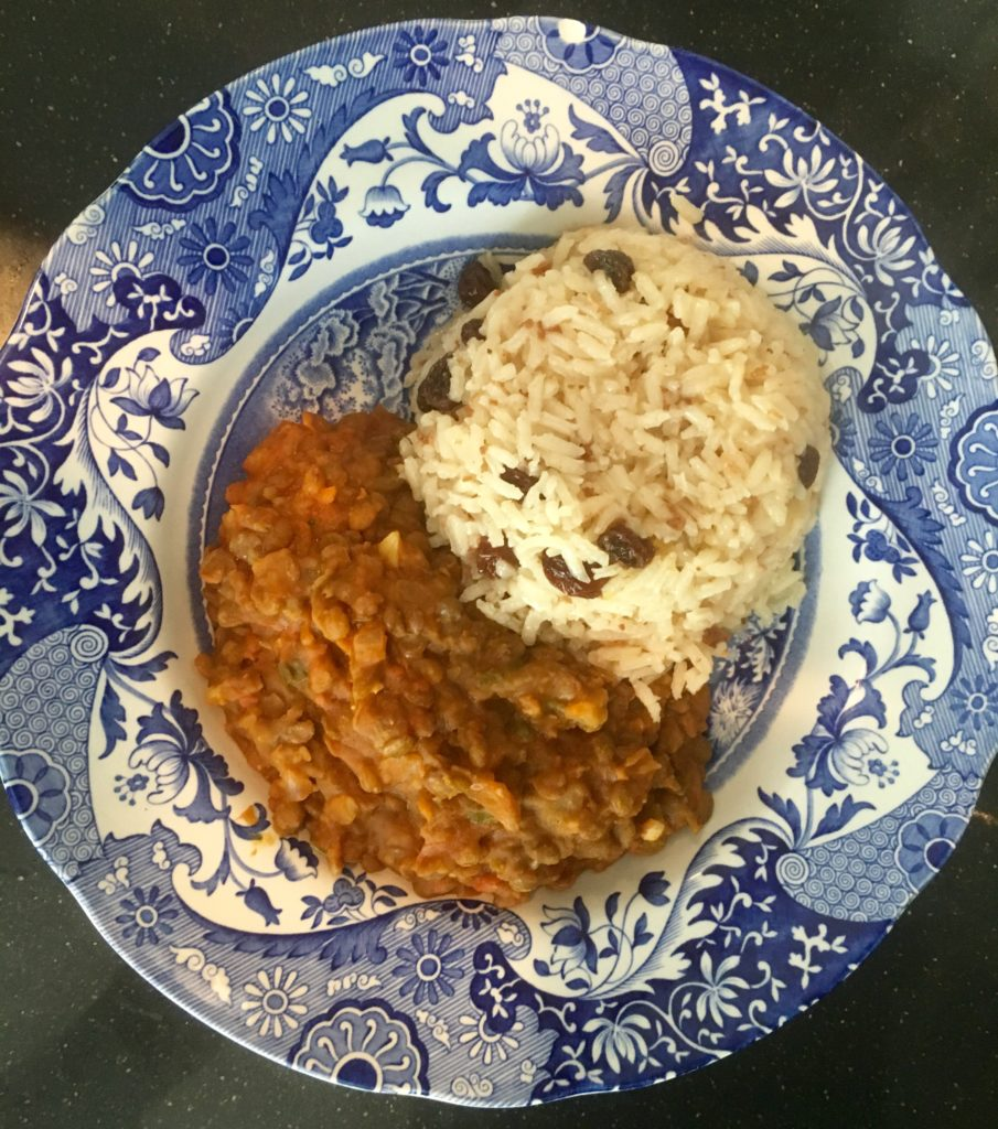 Vegan Colombian food: Arroz con coco and lentils